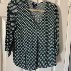 Green blouse with a cute print (3/4 sleeve)